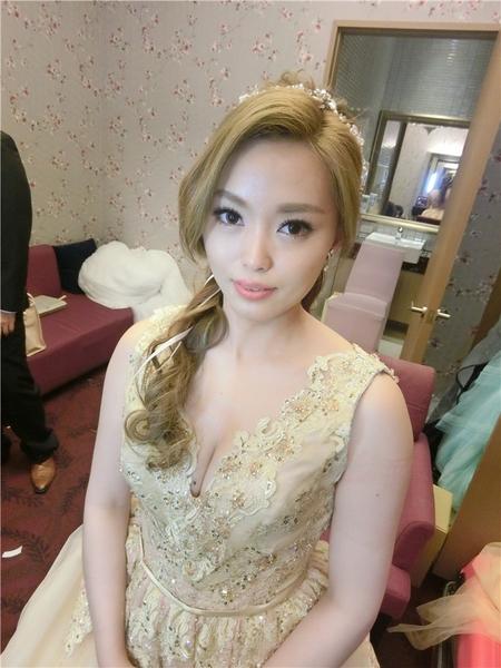 新娘秘書-家妘 公主頭 編髮 指定髮型 好媳婦髮型
