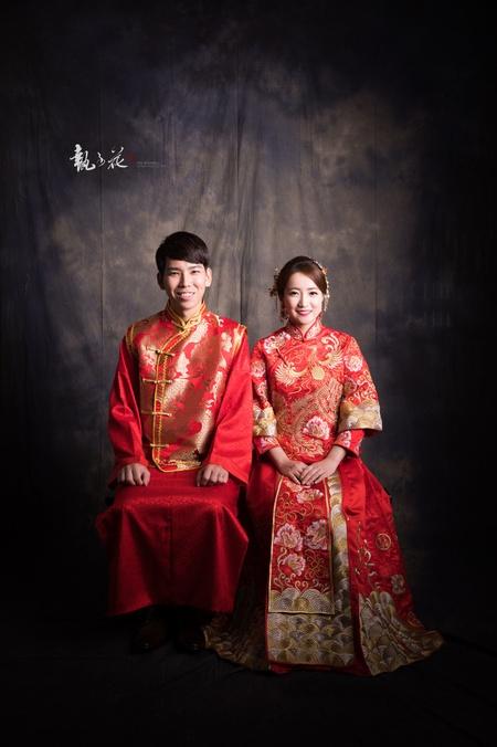 | 龍鳳掛秀禾服 • 復古婚紗攝影 |