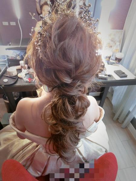新秘rita 新娘秘書 bride-wawa 中式造型 低馬尾 浪漫捲髮 乾燥花不凋花
