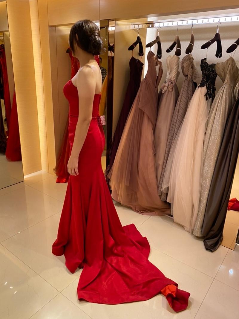 婚紗包套 比堤婚紗 推薦新人:桓聖&佩瑄 挑選紅色晚禮服