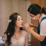 小桃 Doris 新娘秘書 整體造型彩妝 尾牙宴會造型 自助婚紗外拍