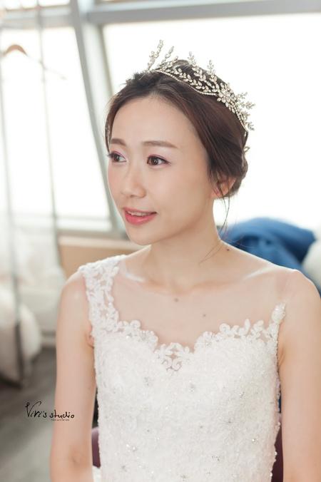 簡單優雅的美麗~氣質非凡的新娘造型