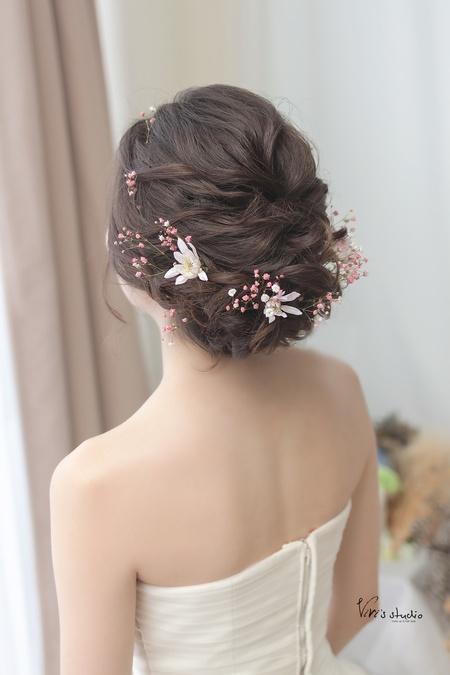 粉紅浪漫鮮花+仙女盤髮造型