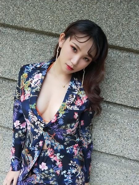 饅頭爸新秘團隊-宜佳❤花西裝造型
