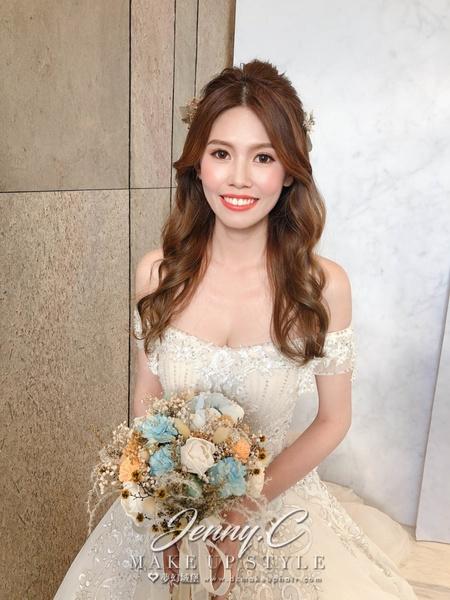 新秘蓁妮-新娘婚宴造型/萊特薇庭