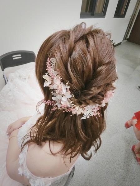 新秘rita 新娘秘書 bride-mira 丸子頭 新娘髮型 低馬尾 捲髮 公主頭 線條感