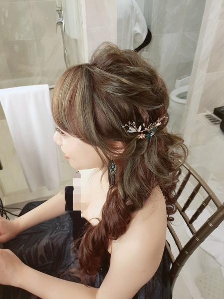 新秘rita 新娘秘書 bride-小婷 低馬尾 側邊捲髮 新娘妝髮 新娘髮型
