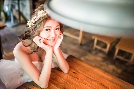 自助婚紗-香香   編髮   乾燥花花環   丸子頭