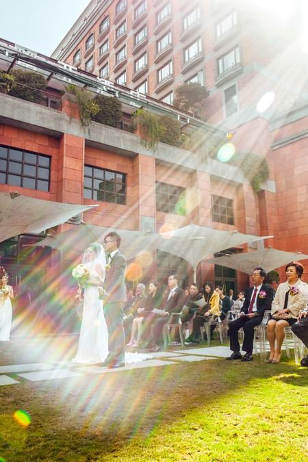 FIONA+JOSH 沐浴在陽光下的戶外婚禮