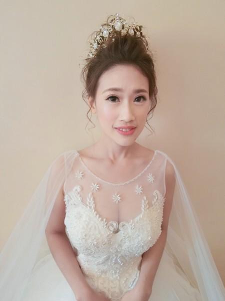 新秘rita 新娘秘書 bride-winna 丸子頭 低馬尾 指定款髮型 線條感 新娘造型