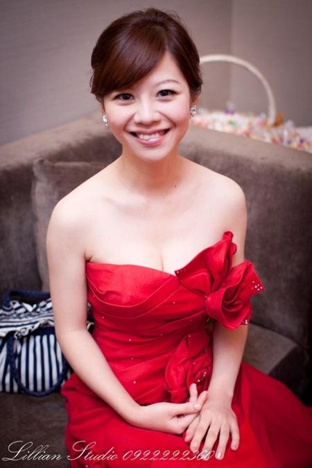 Bride~熙碩 氣質甜美,直髮造型
