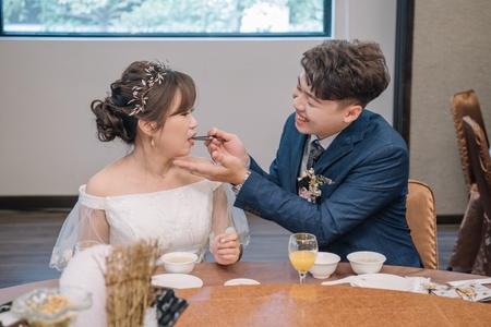 廷彥&宥瑩 /午宴 (高雄八卦活海鮮)