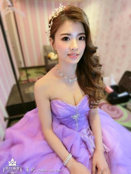 夢幻城堡彩妝造型-新秘蓁妮-新娘婚宴造型