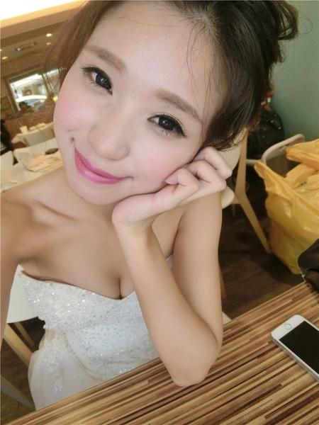 新娘秘書-棠 歐美風婚紗 線條感 大眼妝 公主頭 盤髮 編髮