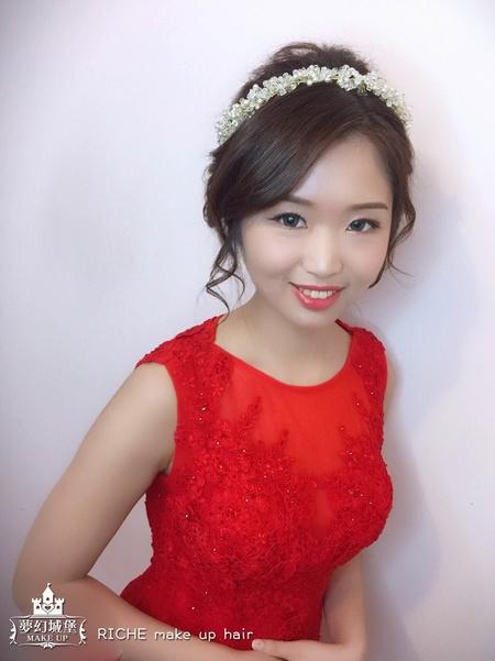 夢幻城堡彩妝造型-新秘RICHE-新娘婚宴造型