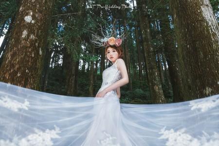台北新秘雨晴|婚紗創作|神秘的森系女神