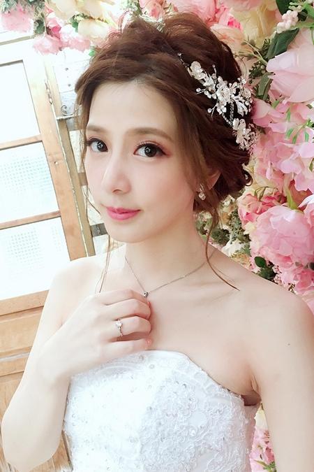 饅頭爸團隊-小樺Vivi-小薇婚紗造型