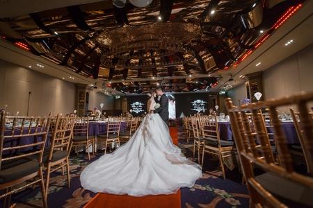 [婚攝] 新莊頤品大飯店 | 婚禮紀錄 | 偉源&怡君 - 奔跑少年
