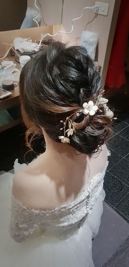 新秘rita|新娘秘書|單妝|平日新秘|新秘推薦|盤髮|白紗造型