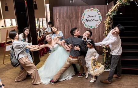 歡樂滿載的幸福婚禮