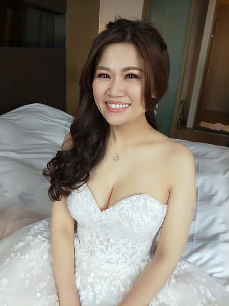 饅頭爸新秘團隊-宜佳❤珮鎵結婚造型