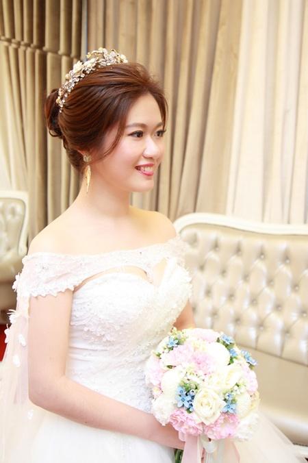 饅頭爸團隊–新秘綠茵 ❤ 惠玲訂結婚四造型