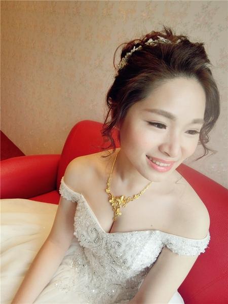 新娘秘書-筱尹結婚 空氣感線條 浪漫 編髮 蕾絲長頭紗