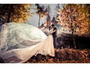 艾格斯手工婚紗