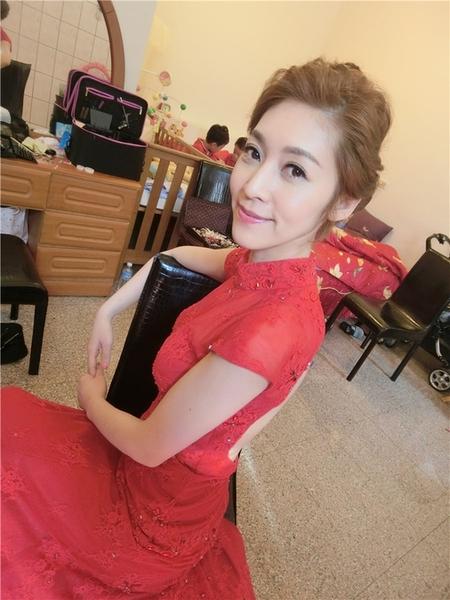 新娘秘書-emily訂婚 好媳婦髮型 側邊捲髮 旗袍 盤髮