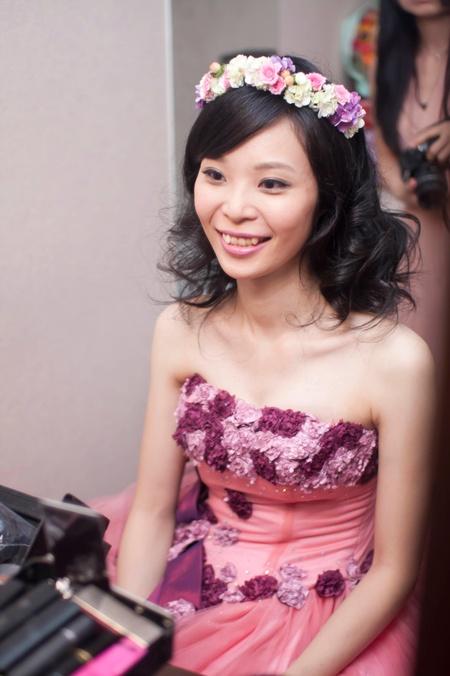 Bride~嬿如 澎鬆的造型與花環絕配可愛