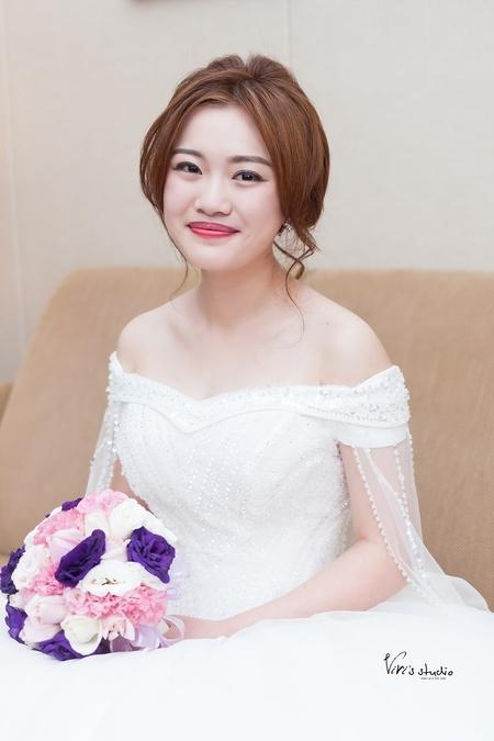白紗+肩紗~華麗質感兼具的新娘造型