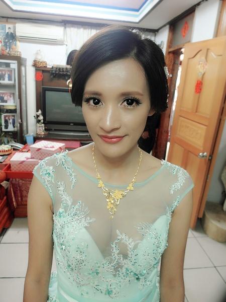 黑珍珠古典甜美新娘-余家