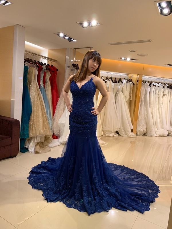 比堤婚紗 推薦新人:一龍&宜潔 試穿禮服 寶藍色晚禮服