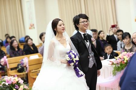 婚攝饅頭爸 | 教堂婚禮 |  哭到妝都花了