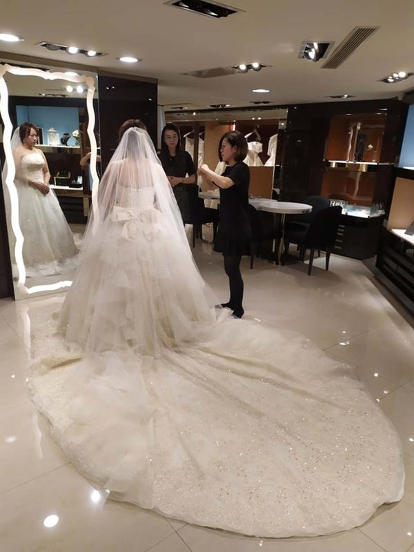 比堤婚紗 推薦新人:Mr. Lo&Mrs. Weng 試穿白紗