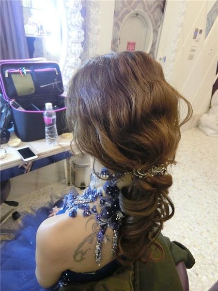 新娘秘書-grace婚宴 自然眼妝 光澤肌 短髮新娘 低馬尾