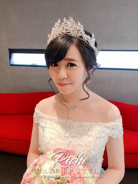 夢幻城堡彩妝造型-新秘RICHE-婚宴造型