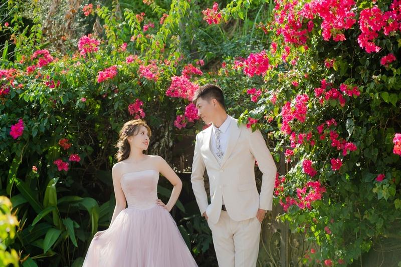 比堤婚紗 推薦新人:Mr. Chang&Mrs. Liu 桃紅色九重葛