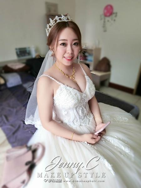 夢幻城堡彩妝造型-新秘蓁妮-婚宴造型