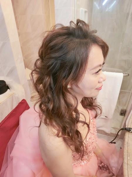 新秘rita|新娘秘書-蘊霞|盤髮|皇冠-低馬尾|乾燥花不凋花|浪漫捲髮