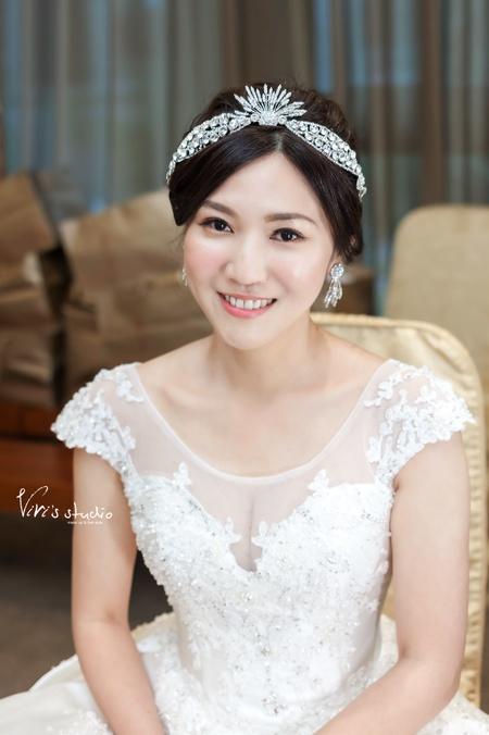 黑髮新娘的風采!清透自然永恆回憶的婚禮造型
