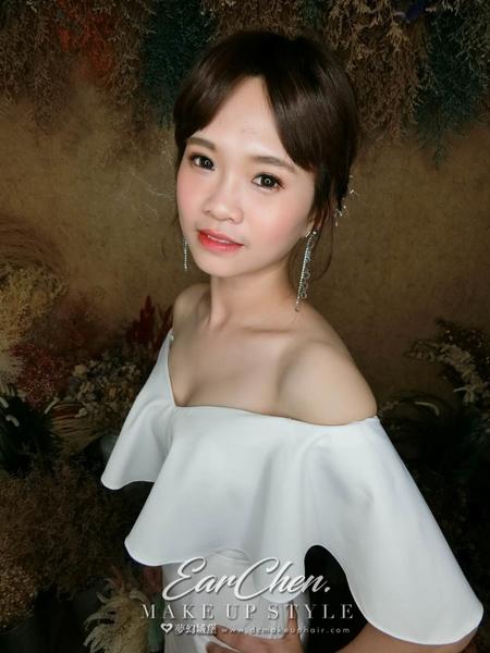 夢幻城堡彩妝造型/ 新秘嬿而 新娘造型創作