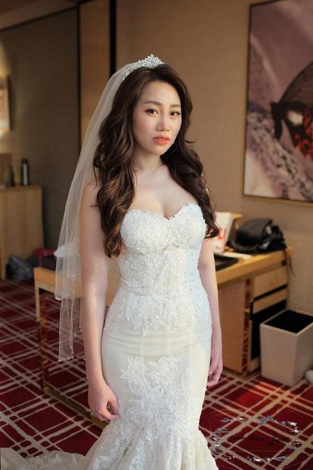 浪漫戶外婚禮造型 Bride -- IRIS