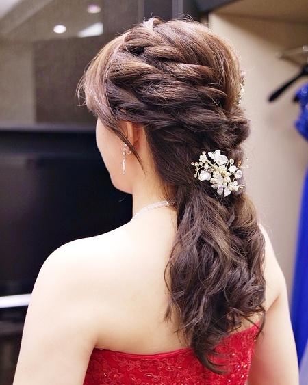 低馬尾公主髮型