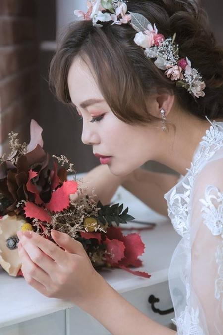 台北新秘雨晴|婚紗創作|白與黑