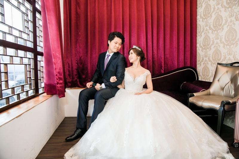 一進前的空檔拍拍類婚紗