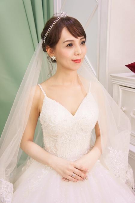 Kylie Tsai bride-sally